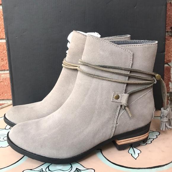 20925542ad1 SOREL Farah Suede Ankle Boots